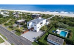 FULLY EQUIPPED FOR THE PERFECT OCEANFRONT LIFESTYLE IN QUOGUE!!